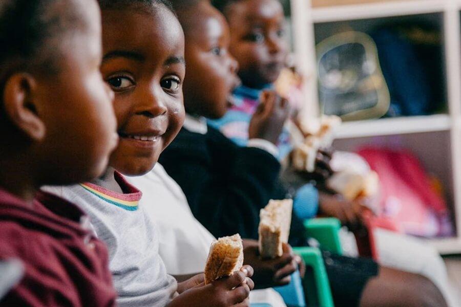 children eating love sandwiches